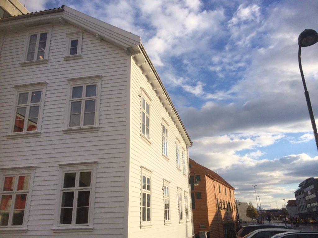 Vikesaa Vindu - Gammelt hus med ferdigmonterte vinduer